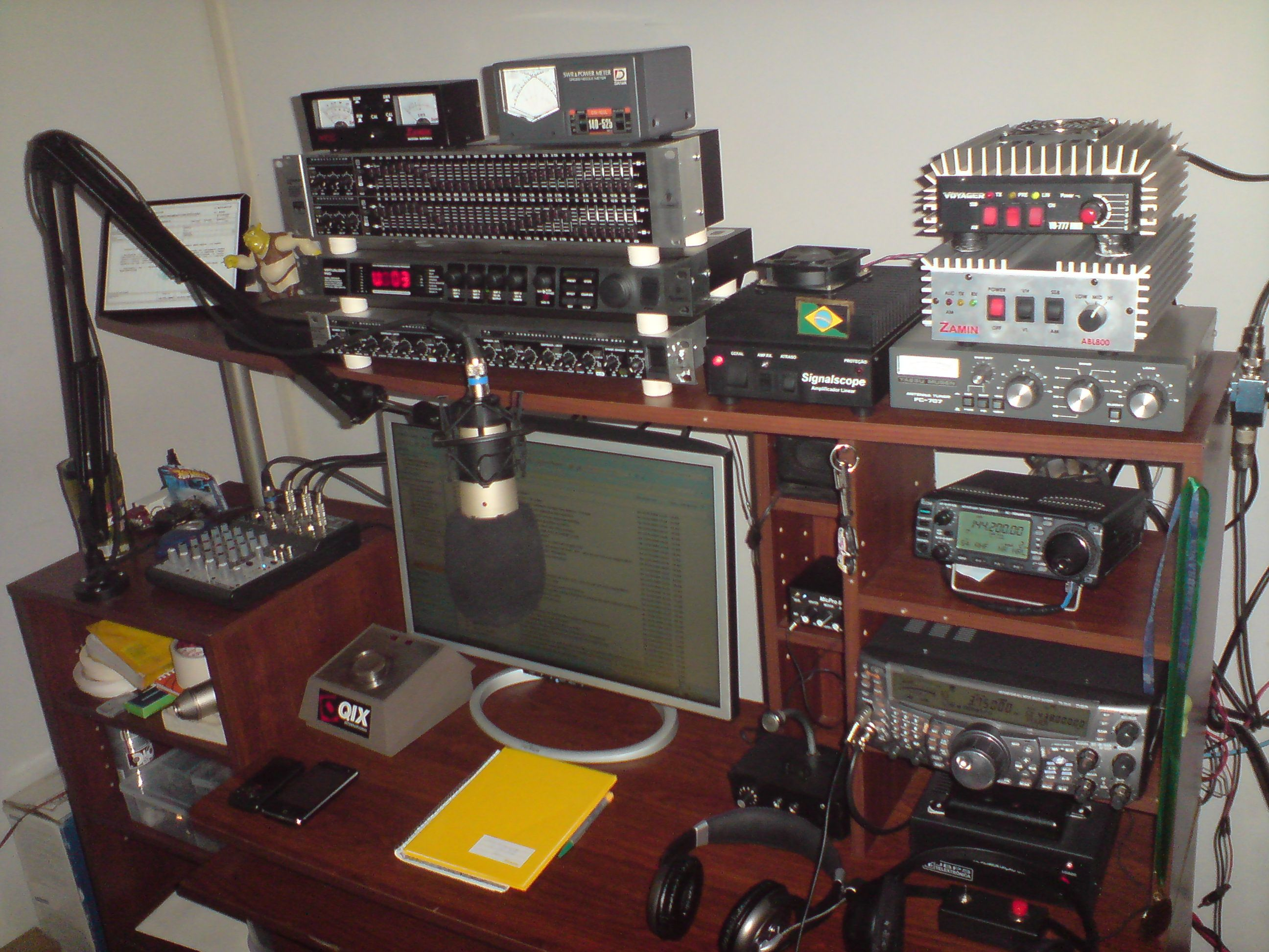 Here is the Old Voodoo Studio of PY2PJA!!!
